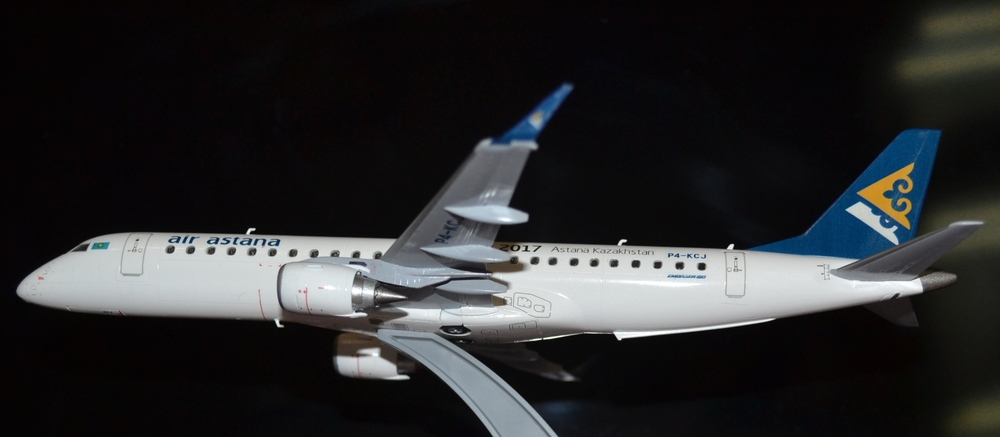Embraer-190 Air Astana TOTAL_9.JPG