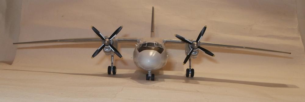 Ан-24-100 ООН (1).JPG