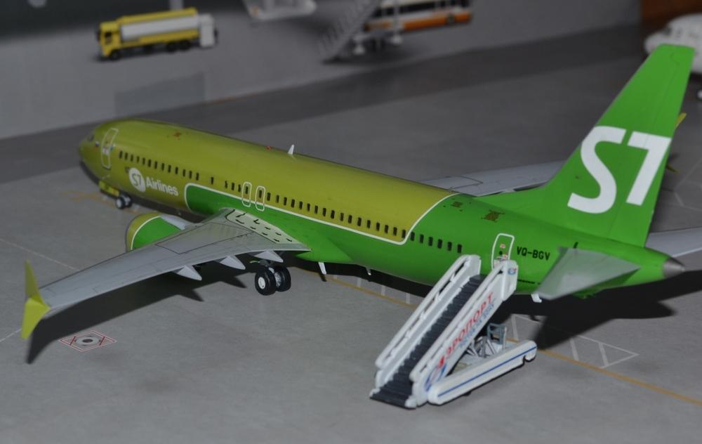 737-8-MAX-16.thumb.JPG.d6ba914cba51c11818882a8b3d71c0af.JPG