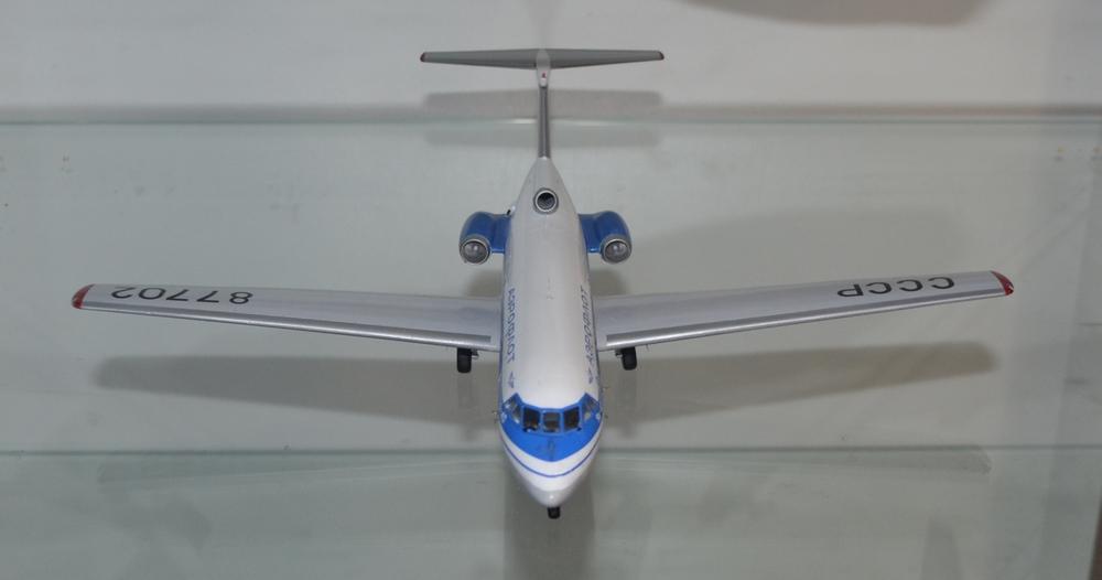 Yak-40_87702_DONE-3.thumb.JPG.ce9d0e3c3fe4c56e17ca4b76363bc111.JPG